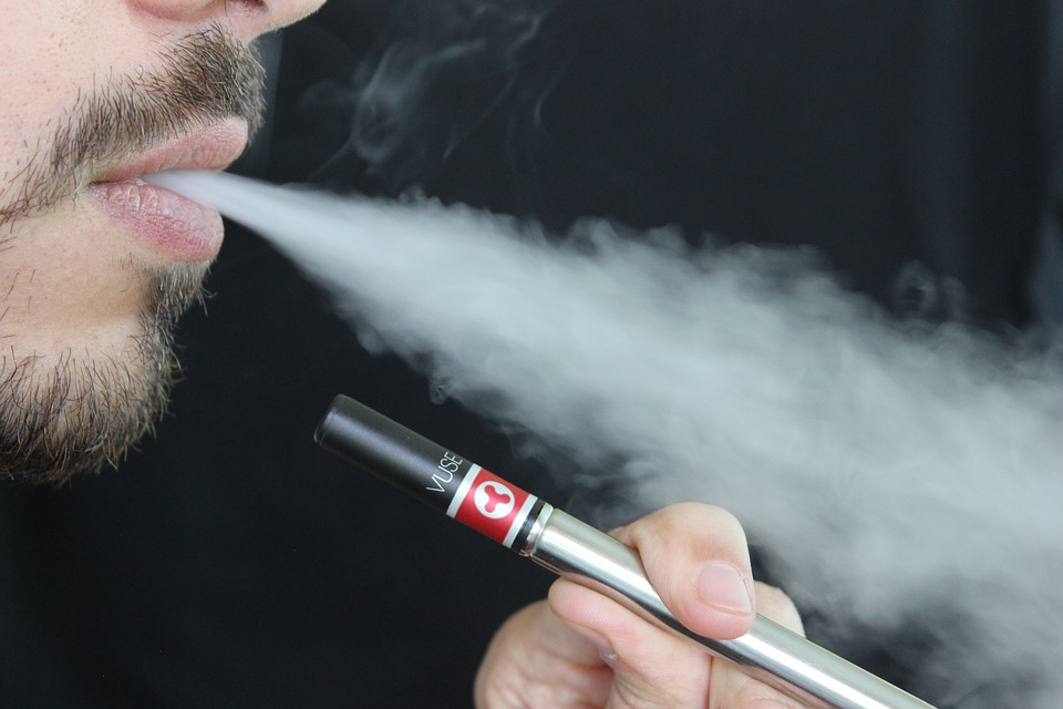 Attorney General to investigate vaping sales and marketing at some FL companies