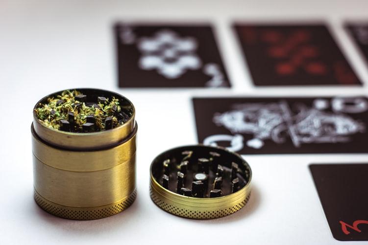 Everything-You-Need-To-Know-About-Microdosing-Marijuana2