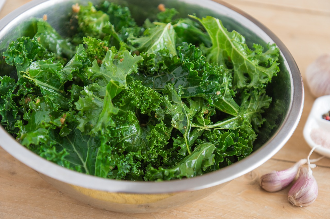 Get-Baked-With-This-Cannabis-Kale-Chip-Recipe