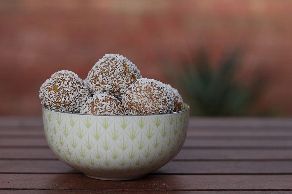 How To Make Vegan THC Date & Cashew Balls From Scratch