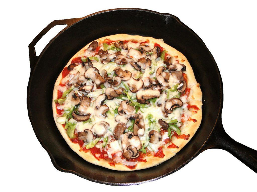 Super-Easy-Recipe-For-Pot-Polenta-Pizza-1